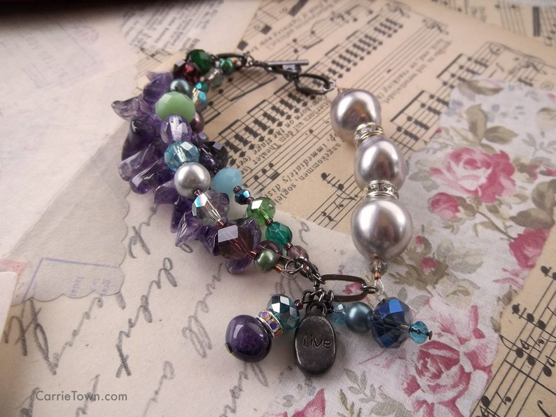 One-of-a-kind amethyst and freshwater pearl beaded bracelet image 0