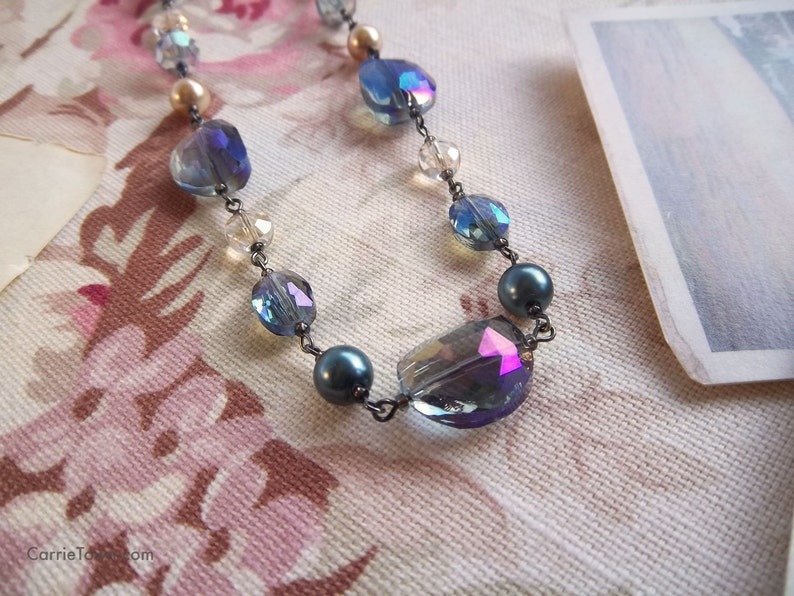 Gorgeous crystal glass and pearl necklace strung image 0