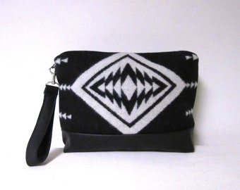 b893d4e9f8 Large Wrist Bag Clutch Bag Purse Wool Removable Black Leather Strap Blanket  Wool from Pendleton Oregon