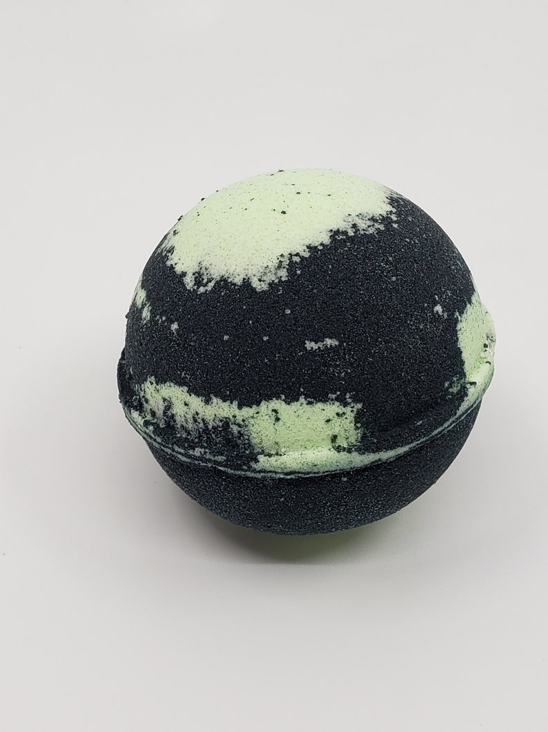 Spell on You Bath Bomb WITH Charm image 0