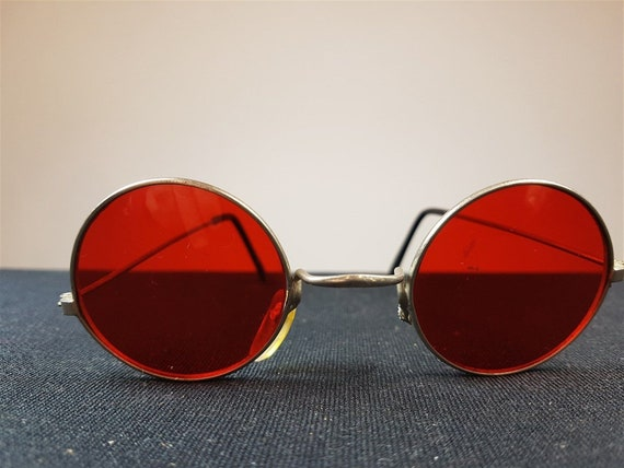693e4175c99 Vintage Round Wire Sunglasses with Red Lenses John Lennon