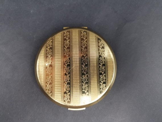 Square Shaped Compact Glamorous Gift for Her. Gold Square Powder Compact By Stratton of England