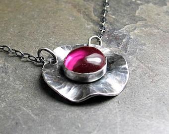 Mohn Kette Blume Anhänger Schichtung Halskette Rubin Rot Juli Geburtsstein Natur Schmuck Edelstein Schmied - Mohn-Felder-Rubin