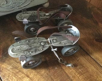 Chicago Company Roller Ware Skate Co Antique Vintage Roller Skates with Key