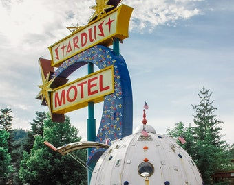 Stardust Motel Retro Sign Art Print, Atomic Age Retro Home Decor, Spaceship Decor, Rocket Science Fiction  Space Age Wallace Idaho 50s scifi