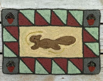 Primitive Hand Hooked Squirrel Rug - Folk Art Wool Rug Hooking Mat (Free Shipping)