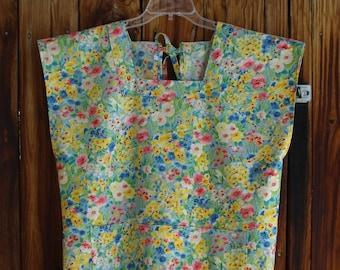 Size 16-18 Mama San Mamasan Kappogi Sleeveless Full Coverage Apron in Wild Flower Print (Size Large 16-18)
