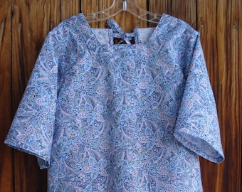 SIZE 6-8 The Mama San Mamasan Kappogi Full Coverage Smock Apron - Blue Floral Paisley Print - Size X-Small (6-8)