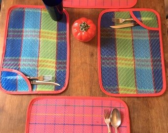 Love Shine Set of 4 Mexican Mesh Plaid Pocket Placemats
