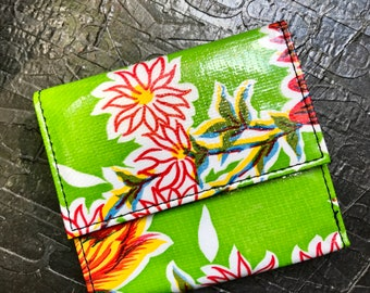 Green Oil Cloth Floral French Purse Trifold Wallet,  Women's Floral Vinyl Wallet
