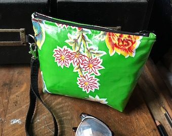"Green Floral Mexican Oil Cloth 7"" Wristlet, Oil Cloth Pouch, Swinger, Clutch bag"