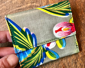 Love Shine Gold Blue Floral Mexican Oil Cloth French Purse Trifold Vinyl Wallet