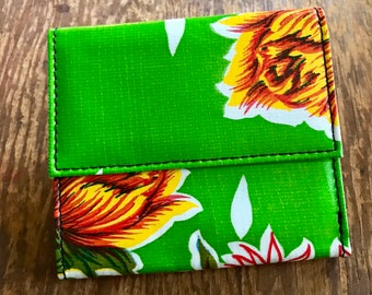 Love Shine Oil Cloth Green Floral French Purse Wallet, Trifold Vinyl Wallet