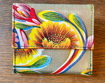 Love Shine Gold Floral Mexican Oil Cloth French Purse Trifold Wallet
