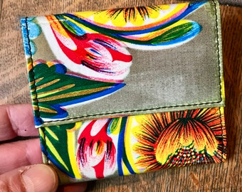 Gold Oil Cloth French Purse Trifold Wallet, Vinyl Floral Women's Wallet