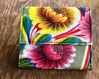 Oil Cloth Gold Floral French Purse Wallet, Women's Floral Vinyl Trifold