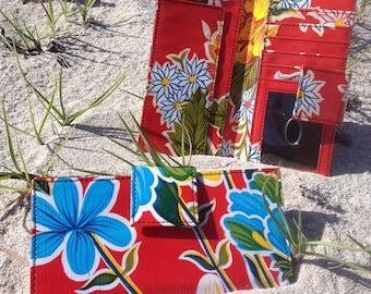 Oil Cloth Red Floral Billfold Wallet, Women's Floral Vinyl Checkbock Clutch Wallet