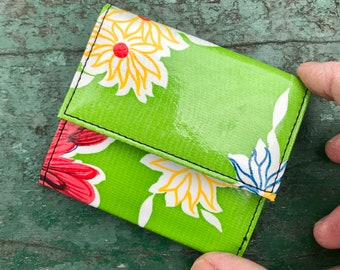 Love Shine Green Floral Oil Cloth French Purse Wallet, Vinyl Vegan Billfold