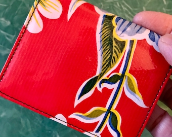 Oil Cloth Red Floral Trifold Wallet, Women's Vinyl Billfold Credit Card Case