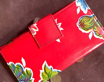 Oil Cloth Red Floral Billfold Wallet,  Women's Floral Vinyl Checkbook Clutch Wallet