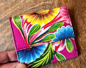 Love Shine Oil Cloth Purple Floral Billfold Wallet,  Women's Floral Vinyl Trifold Wallet