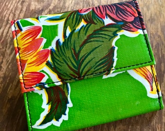 Love Shine Green Floral Mum Oil Cloth French Purse Trifold Wallet