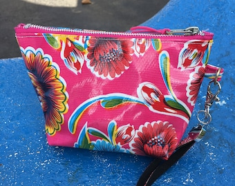"Pink Floral 7"" Oil Cloth Wristlet, Clutch Purse, Travel Wrist bag"