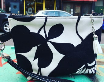 """Black and White Cotton Floral 7"""" Pouch with Wrist Strap, Wristlet Clutch Purse, Hand Bag"""