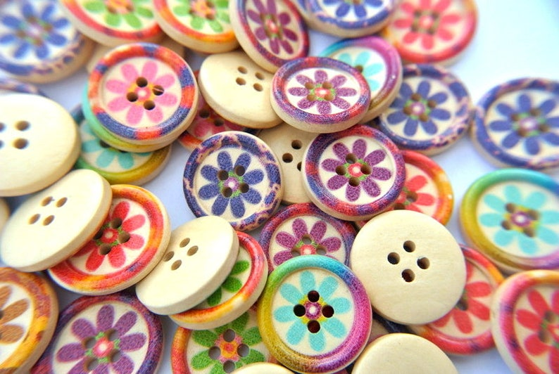 30 Wood buttons 20mm flowers in 5 designed colors sweet buttons