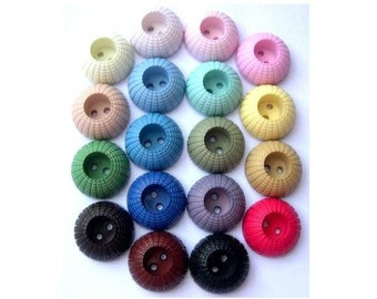 18 Vintage plastic buttons, 18 colors, 18mm, 8mm height
