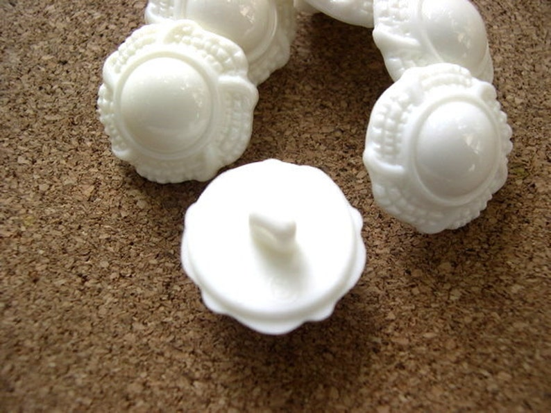 thick 6 Vintage flowers buttons white plastic shank buttons-choose size