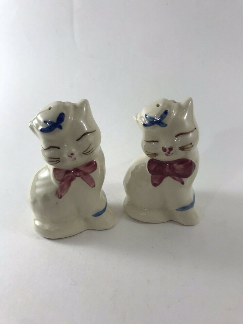 Vintage 1940/'s Puss N Boots Cat Salt and Pepper Shakers Set Two EUC