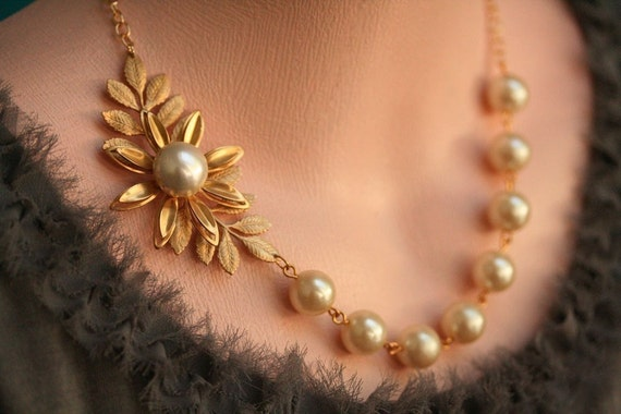 Pearl Leaf Necklace Gold Bridal Jewelry Gold Wedding Jewelry Etsy