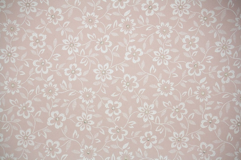 1940s Vintage Wallpaper By The Yard White Flowers On Pink Etsy