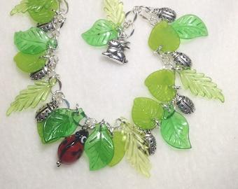 FREE Ship! Ladybug Charm Bracelet.  Ladybugs. Charm Bracelets.