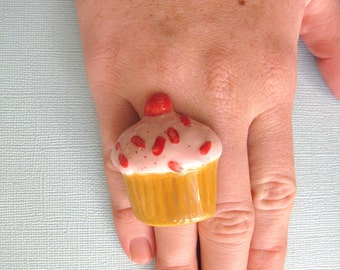 Strawberry Cupcake Ring