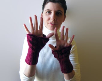 Arm Warmers Lace Knitted in Burgundy Wool