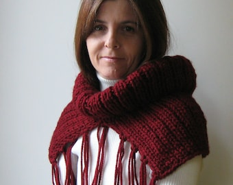 Cowl Scarf with Fringes Knit in Burgundy Wool - Fringes Scarf, Chunky Neck Warmer, Winter Snood, Hand Knit, Womens Scarves, Mens Cowl
