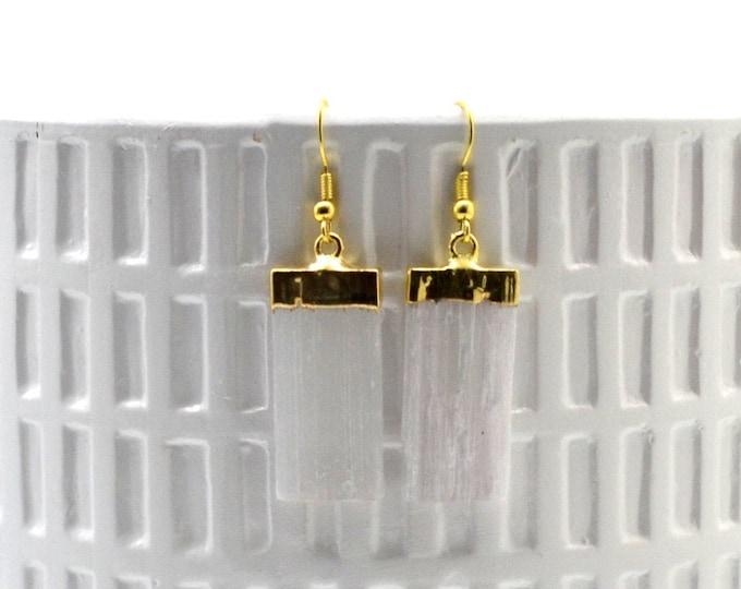 Serene Selenite Dangle Earrings - Gold Earring