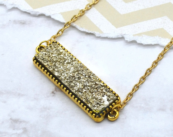 CHAMPAGNE DRUZY - Bar Necklace