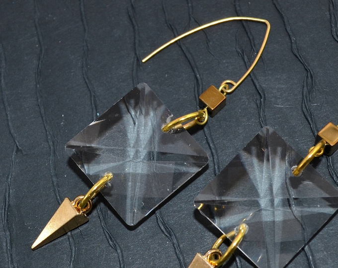Crystal Facets Dangle Earrings - Gold