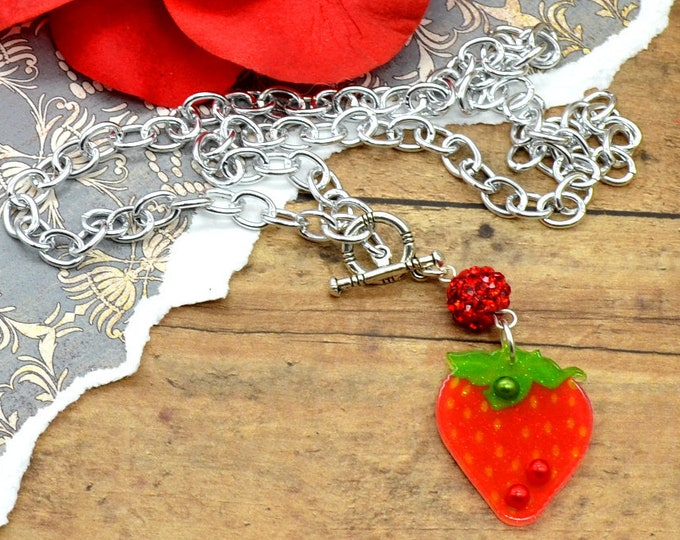 Strawberry Bling - Necklace