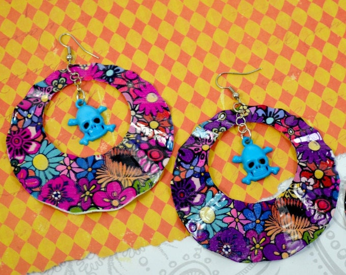 GYPSY LOVE - Large Round Wavy Metal Earrings with Blue or Red Skull Charms in Purple Pink or Black