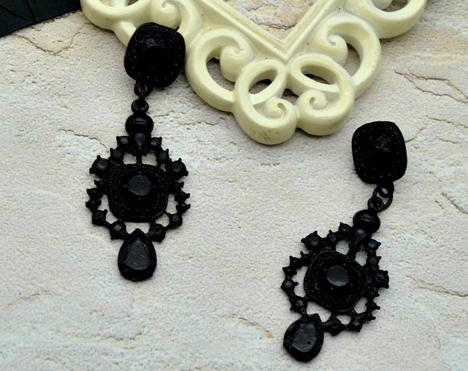Glamour Girl Black - Acrylic Chandelier Earrings