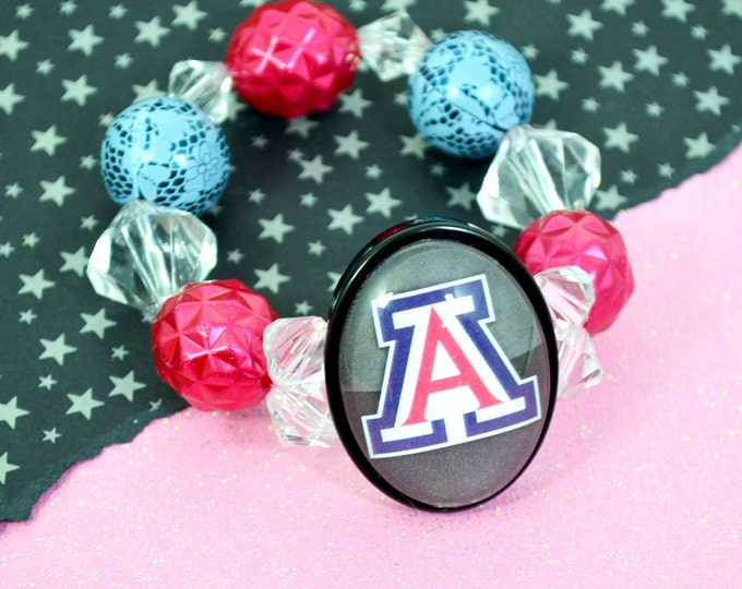 U of A Bracelet - 30 X 40 Glass Cameo STRETCH Bracelet with large beads