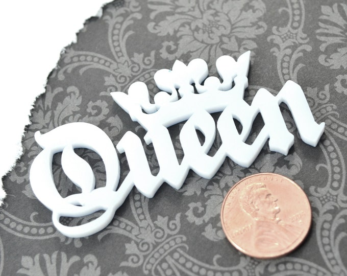 QUEEN CABOCHON- In pure white Laser Cut Acrylic