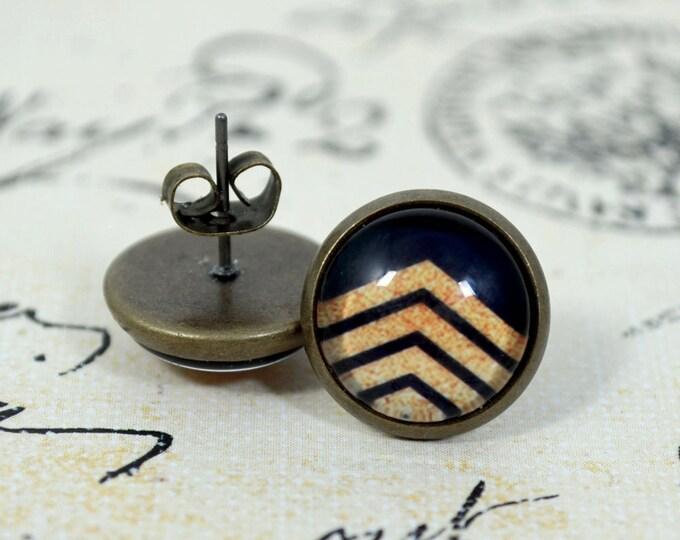 Black Beige Chevron Bronze Studs - Round Glass Dome Beige Chevron on Black background Earrings