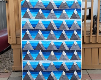 Triangle Mountains lap, baby or wall quilt, small quilt, handmade quilt, modern solid quilt, rocky mountains