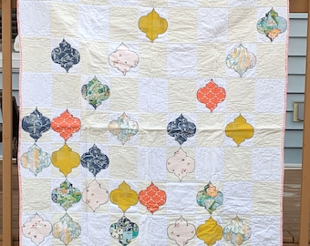 Ornament baby quilt, handmade patchwork quilt, floor quilt, play quilt, arabesque applique quilt with rounded shapes