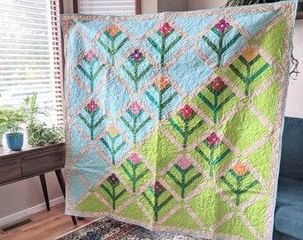 Trellis Lap Quilt, Sofa Throw, nap quilt, sofa blanket, lap blanket, modern quilt featuring flower design and applique